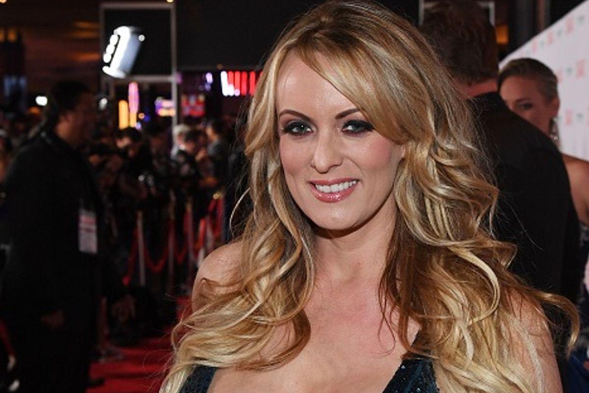 Actrices Porno Y Enfermedad vinculan abogada de trump en caso de actriz porno - wapa.tv